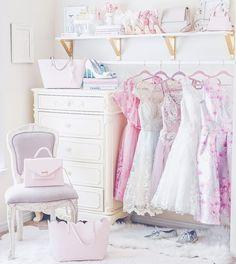 Feminine soft, feminine blog, feminine style, off the shoulder, romantic style, feminine outfits, girly outfits, wardrobe, wardrobe goals, closet, closet goals
