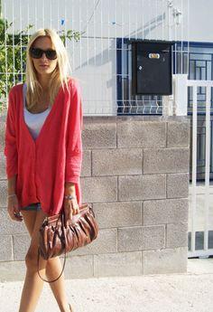 Saturday  , topshop en Jerseys, Zara en Camisetas de tirantes, Topshop en Bolsos