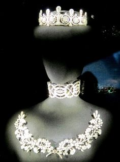 Cartier: the well known Townsend tiara, a 'dog-collar' and two fern-spray brooches; these entered Cartier's stock book on 20 November and were sold to Sir Ernest Cassel in January 1904. They later sold at Sotheby's in June 1990, from the estate of the Countess of Brecknock.