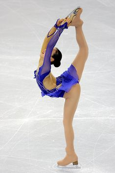 Mao Asada of Japan skates in the Short Program during the ISU Four Continents Figure Skating Championships at Pacific Coliseum on February 2009 in Vancouver, Canada. Ice Skating, Figure Skating, Skate 3, Alina Zagitova, Flexible Girls, Sport Gymnastics, Ice Princess, Sports Figures, Female Athletes