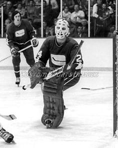 Ed Dyck, Vancouver Canucks. Hockey Goalie, Hockey Teams, Hockey Players, Goalie Mask, Vancouver Canucks, Toronto Maple Leafs, Nhl, Vintage Ladies, Masks