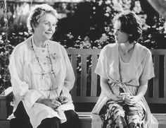 Still of Jean Simmons and Winona Ryder in How to Make an American Quilt