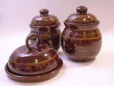 Barna mázas tárolóedények Pottery, Clay, Ceramics, Crochet, Home Decor, Ceramica, Clays, Ceramica, Decoration Home