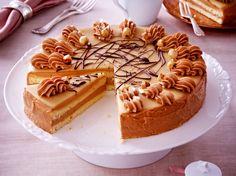 Unser beliebtes Rezept für Nougat-Buttercreme-Torte und mehr als 55.000 weitere kostenlose Rezepte auf LECKER.de.