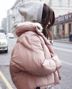 Модные женские пуховики осень-зима 2018-2019 фото Classy Outfits, Winter Outfits, Casual Outfits, Cute Outfits, Look Fashion, Korean Fashion, Fashion Outfits, Womens Fashion, Pastel Outfit