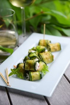 Kesäkurpitsa-vuohenjuustorullat / Zucchini & chevre rolls