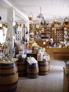 Shop in Colonial Williamsburg. <3
