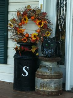 Front porch in the fall. Front Door Entryway, Porch Entry, Milk Can Decor, Outdoor Decorations, Fall Decorations, Porch Area, Halloween House, Fall Halloween, Milk Jugs