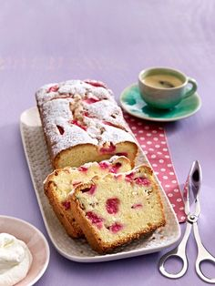 http://www.wunderweib.de/kochen/rhabarberkuchen-rezepte-fruehlingserwachen-a178736.html?csi=2