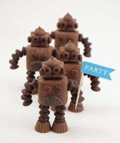 DIY Mini Robots - Whip up these robots using all your favorite chocolate candies!