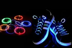 5589efbb4f4 63 meilleures images du tableau Metallic effect Shoe laces