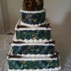Mossy Oak Camo Wedding Cake kknowles822