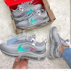 Basket Femme Nike Tendance New Ideas Cute Sneakers, Sneakers Nike, Womens Vans Sneakers, Gucci Sneakers, Casual Sneakers, Nike Air Shoes, Shoes Sport, Nike Footwear, Converse Shoes