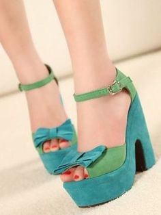 Vintage High-heeled Sandals | ricardo.gr
