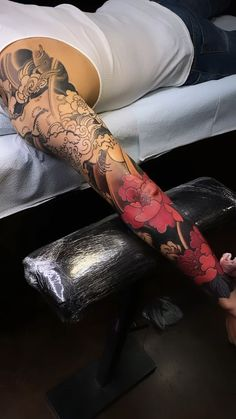 Traditional japanese tattoos irezumi _ traditionelle japanische tattoos irezumi _ tatouages ​​japonais traditionnels irezumi _ tatuajes japoneses tradicionales irezumi _ t Japanese Flower Tattoo, Japanese Tattoo Symbols, Japanese Tattoo Designs, Japanese Sleeve Tattoos, Best Sleeve Tattoos, Sleeve Tattoos For Women, Body Art Tattoos, Tattoos For Guys, Japanese Lotus