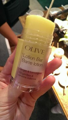 The lotion bar from Olive Authentique is easily transportable, feels lovely, doesn't contain chemicals, and makes a great stocking stuffer. Spotted at the #OOAK Christmas Show, Toronto 2013. http://www.oliveauthentique.com/
