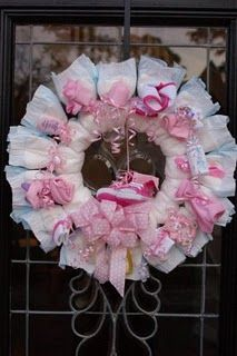 Diaper wreath & cute baby shower ideas