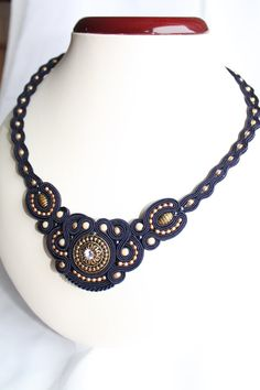 Dark blu soutache necklace van softamestist op Etsy, €35,00 Soutache Necklace, Victorian Jewelry, Quilling, Jewelry Crafts, Jewerly, Dark Blue, Chokers, Artsy, Jewelry Making