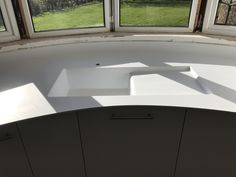 Corian sink seamless with the worktop from bluestone Corian Worktops, Corian Sink, Bathroom Countertops, Stone Countertops, Corian Solid Surface, Retail Counter, Kitchen Worktop, Eco Friendly House, Work Tops