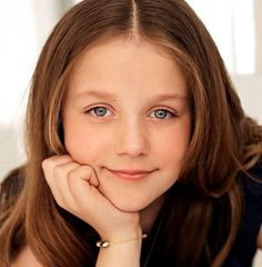 Royal Family Around the World: Princess Isabella of Denmark Poses for Portrait to Celebrate her Birthday on April 2017 Prince Héritier, Prince And Princess, Little Princess, Denmark Royal Family, Danish Royal Family, Princess Margaret, Crown Princess Mary, Happy Birthday Princess, Danish Royalty