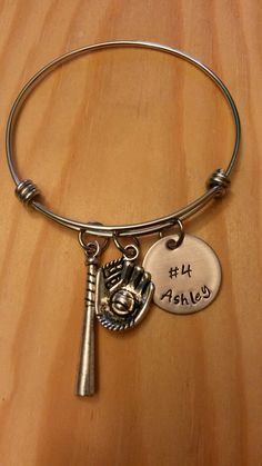 8 Silvertone Large Softball Pitcher Niece You Are Loved Circle Bracelet