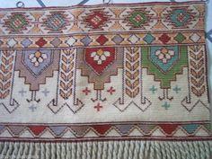 *SALE GERMAN ANTIQUE HAND-EMBR VALANCE WOOL EMBROIDERY Kelim Stitch 1900 Germany | eBay
