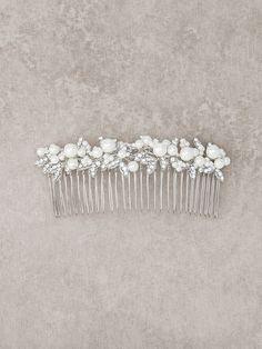 Peigne de mariée rehaussé de fleurs en argent vieilli et pierres fines   Pronovias