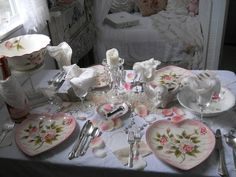 Shabby Chic Tiny Retreat: Hosting a party in a tiny house more of the one!!