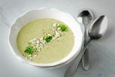 Parsakaalisosekeitosta saa maistuvan ja terveellisen lounaan. http://www.valio.fi/reseptit/parsakaalisosekeitto/ #resepti #ruoka
