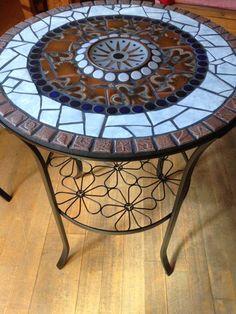 Mosaic Outdoor Table, Outdoor Table Tops, Mosaic Tile Art, Stone Mosaic, Mosaics, Mosaic Furniture, Furniture Design, Wood Table Design, Creta