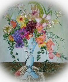 jarron pintado con acrilicos y bordado a mano echo from my hands