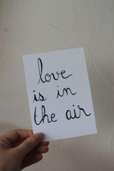 """Carte postale """"love is in the air"""" : Cartes par le-petit-bazar-des-trinomettes-en-delire"""