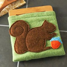 Felt Squirrel Trivet Cover - made by ThreadShed  www.thethreadshed.com