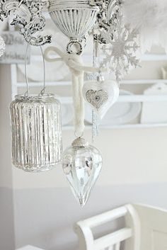 Marvelously serene, beautiful shabby chic white and silver Christmas decor. #decorations #shabby #chic #silver #white #Christmas