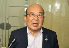 東京都議会の超党派でつくる「男女共同参画社会推進議員連盟」の野島善司会長が17日、プライベートでは「結婚したらどうだ、というのは僕だって言う」と述べた問題について、都議会自民党の総会で謝罪しました。