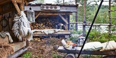 MILJØPROFIL: Å bygge gapahuken hadde en klar miljøprofil. Hytteeier Gry Kristiansen satset på stedegne materialer i så stor grad som mulig. Resten handlet hun på det nærmeste byggevarehuset.