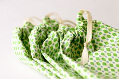 flax & twine | craft + diy: A Fat Quarter and Fifteen Minutes: Four Favor Bags