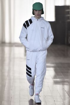 Gosha Rubchinskiy x adidas Football Show Winter Mode Outfits, Winter Fashion Outfits, Fashion Week, Runway Fashion, Fashion Show, Fashion Trends, Sport Style, Sport Fashion, High Fashion