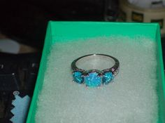 LOOK!! A BEAUTIUFL STERLING SILVER BLUE TOPAZ AND BLUE FIRE OPAL RING SIZE 7