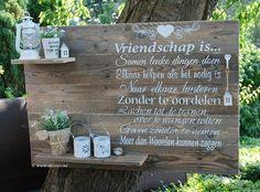 Wanddecoratiebord op maat met eigen tekst - www.decooz.nl