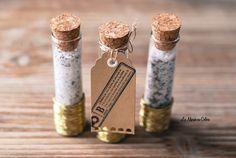 Mariage petit budget : DIY éprouvettes de sel au romarin La mariée en colere http://lamarieeencolere.com/2014/04/mariage-petit-budget-diy/ http://www.mariage-promo.fr/48-eprouvettes-en-verre-10-cm.html#.VMi_3WSG9jx : 30€ les 48