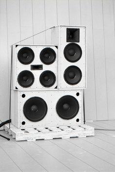 Weak Soundsystem by christopheradams, via Flickr