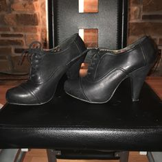 Black SHI ankle boots Black SHI ankle boots. Leather. Size 8. Worn once SHI Shoes Ankle Boots & Booties
