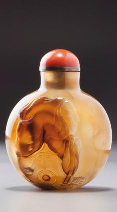 AN AGATE 'MONK' SNUFF BOTTLE POSSIBLY IMPERIAL, OFFICIAL SCHOOL, QING DYNASTY, LATE 18TH / 19TH CENTURY | Lot | Sotheby's