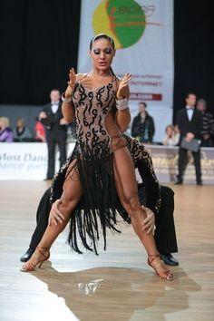 『【海外選手掲載依頼・試着不可】中古ラテンドレス・Valentina製・黒フリンジ×オーロラ』