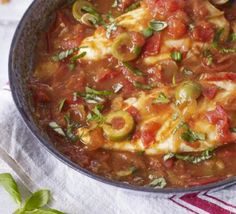 Pan-fried chicken with tomato & olive sauce