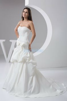 Train White Ball Gown Sweetheart Taffeta Wedding Dress With Flower(ZJ7258)