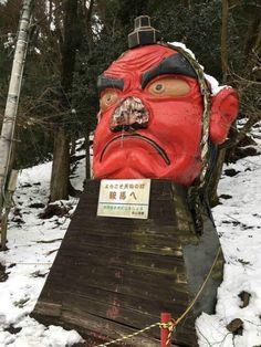 巨大天狗慘遭大雪「硬生生弄斷鼻子」,日本人「超爆笑緊急補救」遊客意外暴增!% 照片