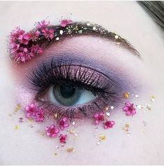 Latest Totally Free Flower kids dry flower face makeup stickers Concepts For your decision to an Aesthetic-Plastic Surgery or so-called surgery treatment, there are various, Eye Makeup Art, Cute Makeup, Pretty Makeup, Makeup Inspo, Eyeshadow Makeup, Makeup Kit, Purple Eyeshadow, Eyeshadow Palette, Makeup Ideas