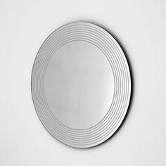 Sovet Italia Espejo de diseño Endless Diseño. Gianluigi Landoni. Espejo de diseño Endless Sovet Italia. Disponible en tres tamaños con opción de iluminación LED.